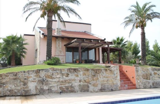 Villa for Rent in Nea Fokaia, Kassandra – 390 sq.m.
