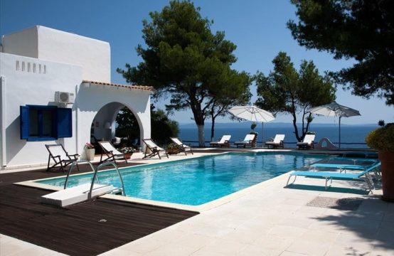 Villa 140 sq.m. for Rent in Afytos, Kassandra