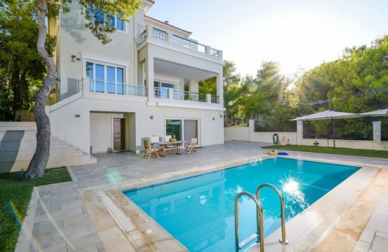 Villa for Rent in Vravona, Athens – 600 sq.m.