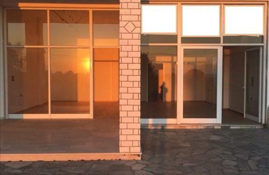 Business 150 sq.m. for Rent in Nea Moudania, Kassandra