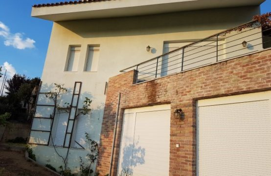 Detached house 390 sq.m. for Rent in Lagyna, Thessaloniki