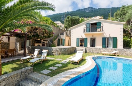 Villa for Rent in Benitses, Kerkyra – 200 sq.m.