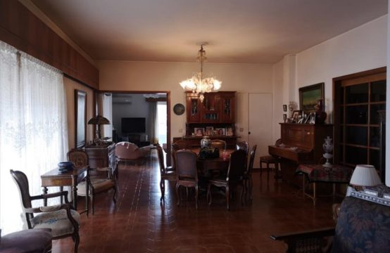 Flat for For Sale in Nea Smyrni, Athens – 200 sq.m.