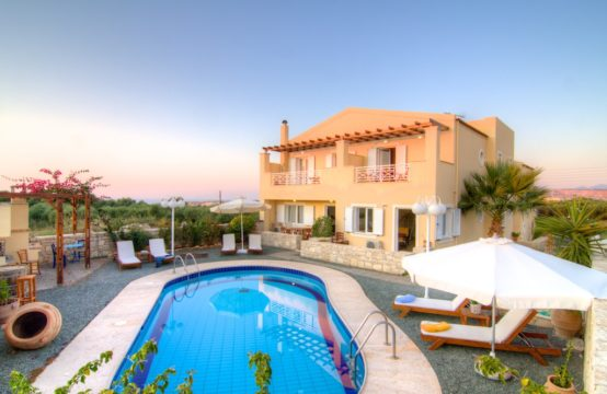 For sale a sea view house with swimming pool on Crete island, Greece!
